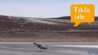 video  Tek motorlu uçağın iniş sonrası lastiği çıktı!
