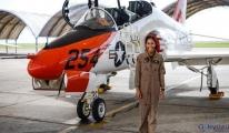 110 yıl sonra ilk siyahi kadın savaş uçağı pilotu oldu
