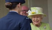 2'inci Kraliçe Elizabeth,ilk kez görüldü#video