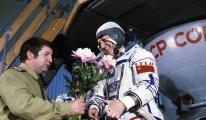 25 Temmuz tarihte bugün: Manş Denizi'ni aşan ilk uçak, uzayda yürüyen ilk kadın...