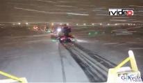3. Havalimanı'nın karla savaşı!VİDEO