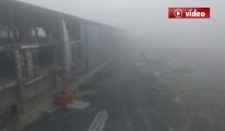 3. Havalimanın'da Yoğun Sis Günlerce Kalkmıyor video