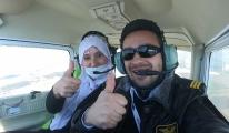 3 kadın, tek motorlu uçakla şehir turu attı(video)