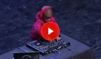 4 Yaşındaki DJ Görenleri Şaşırttı