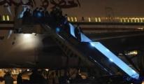 Fas Kralı 6. Muhammed 5 Uçak Dolusu Eşya İle Geldi