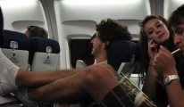ABD pasaportlu yolcuya uçakta sigara içme cezası kesildi