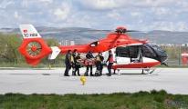 Ambulans helikopter, kalbi duran hasta için havalandı