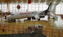 AnadoluJet Uçağı, Beşiktaş'ın Siyah Beyaz Renklerine Boyandı.