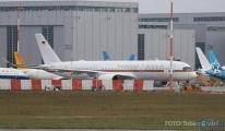 Angela Merkel'in A350'si üretim tesislerinden çıktı.