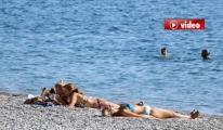 Antalya'da 27 derecede deniz keyfi