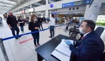 video Antalya Havalimanı'nda uçaklar parka çekildi
