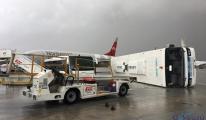 Antalya Havalimanı'nda hortum (İlk video)