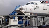 Antalya Havalimanını hortum vurdu!video
