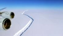 Antarktika'da Dev Buzdağı Kırığı
