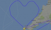 Aşık pilot, aşkı için gökyüzünde kalp rotası çizdi