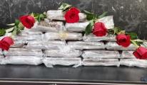 Atatürk Havalimanı'nda Gül kutularından kokain çıktı(video)