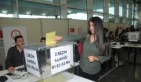 Havalimanı'nda Referandum Oylaması Başladı