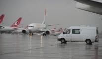 Atatürk Havalimanında Kar Alarmı