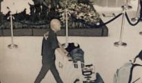 Avustralyalı adam Havalimanında  bagaj çaldı