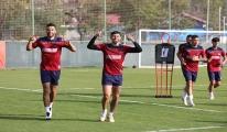 Aytemiz Alanyaspor, şampiyonluk yarışındaki Fenerbahçe'den puan arayacak