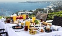 Babalara Enfes Boğaz Manzarasına Karşı Kahvaltı Keyfi