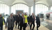 Bakan Turhan 3. Havalimanı'nı gezdi!