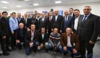 Bakan Turhan İstanbul Havalimanı muhabirleriyle iftar yaptı
