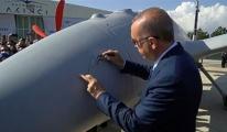 Başkan Erdoğan'dan Bayraktar Akıncı TİHA'ya tarihi imza