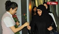 Bodrum'a Gelen Araplar Kırmızı Güllerle Karşılandı
