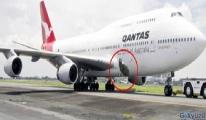 Boeing 747 tipi uçağın gövdesi havada yırtıldı!