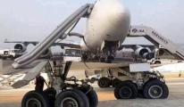 Boeing 747 uçağının 14 lastiği birden patladı