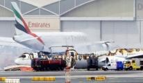 Boeing 777 Emirates uçağı Alev Alev Yandı