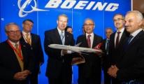 Boeing'den Bakan Elvan'a 777-300ER Hediyesi