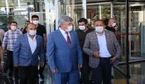 CHP heyeti, Başkan Böcek'i hastanede ziyaret etti
