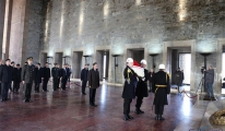 Çin Halk Cumhuriyeti Ankara Büyükelçisi'nden Anıtkabir'e ziyaret