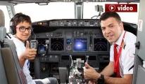 Corendon, 23 Nisan'da çocukları pilot yaptı!video