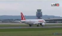 Corendon uçağı büyük tehlike atlattı!video