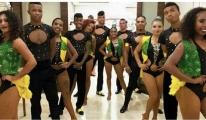 Dansçılar Atatürk Havalimanı'nda mahsur kaldı!video
