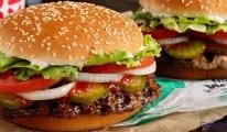 Dava Burger King'in  Whoppers'ın ete bulaştığını iddia ediyor