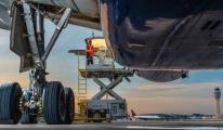 Delta Airlines'ın Pasifik üzerinde motoru arızalandı