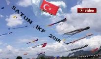 Dev Türk bayrağı uçurtma Tayland semelarında