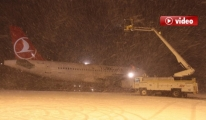 DHMİ  ekiplerinin , Apronda kar mücadelesi