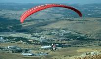Doğunun Dağları Yamaç Paraşütüyle Renkleniyor