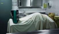 Doktorların 'öldü' dediği hasta otopsiden önce uyandı