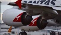 Dünyanın En Büyük A380-800 Uçağı Acil İniş Yaptı