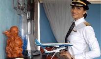 Manken Değil Boeing 777 Kaptan Pilotu