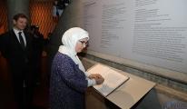 Emine Erdoğan,Müzenin şeref defterini imzaladı!