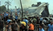 Endonezya'da Askeri Uçak Düştü: En Az 30 Ölü!