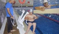 Engelli Yusuf,yüzmede Türkiye 2'ncisi oldu#video
