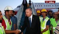 Erdoğan'ın uçağı 3. Havalimanı'na indi!video